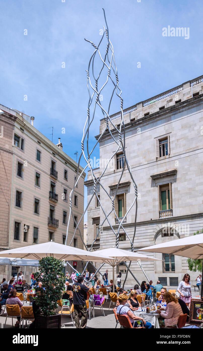 Spain, Catalonia, Barcelona, Ciutat Vella, Placa de Sant Miquel, stainless-steel-tube sculpture Castellers or Human - Stock Image