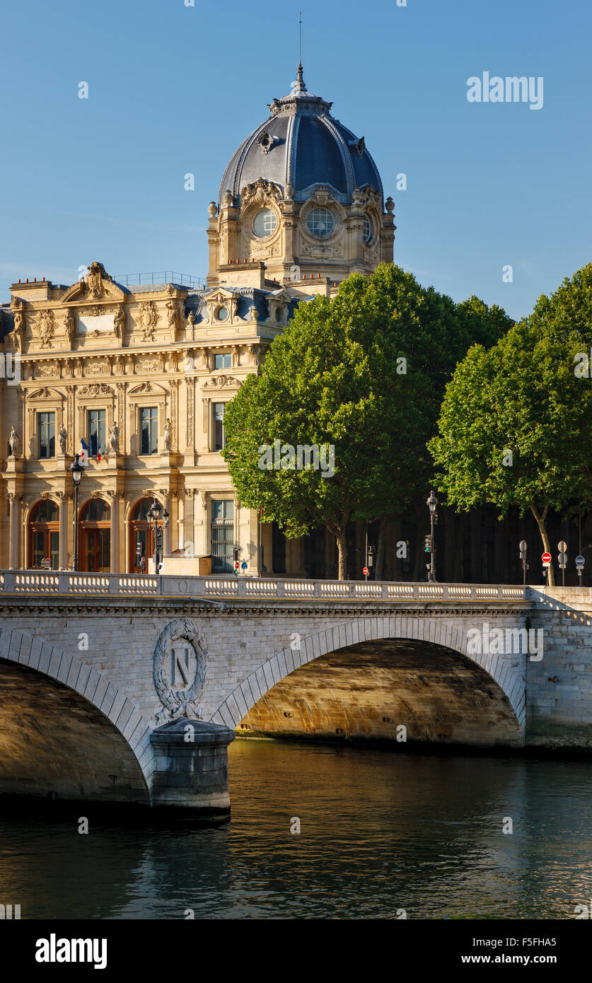 Paris Commercial Court monument and Pont au Change by the River Seine in the 4th arrondissement, Ile de la Cite, - Stock Image