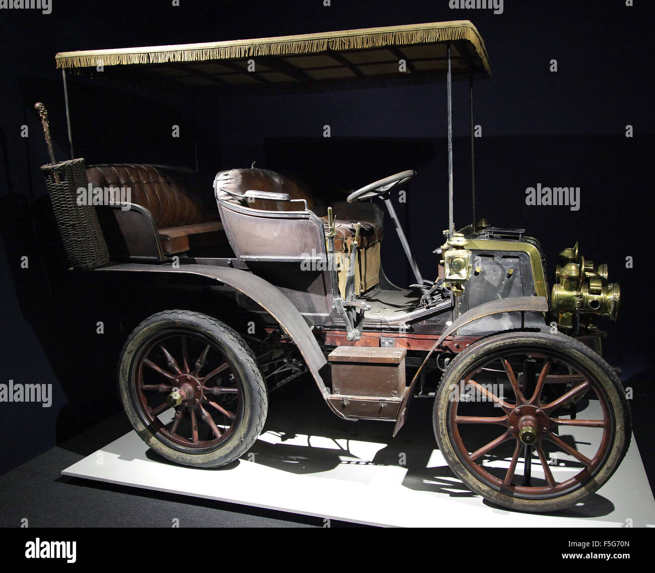 Old car Panhard Levassor 6 HP Type A1.double phaeton with canopy 1.6 litre two cylinder 1899 - Stock Image