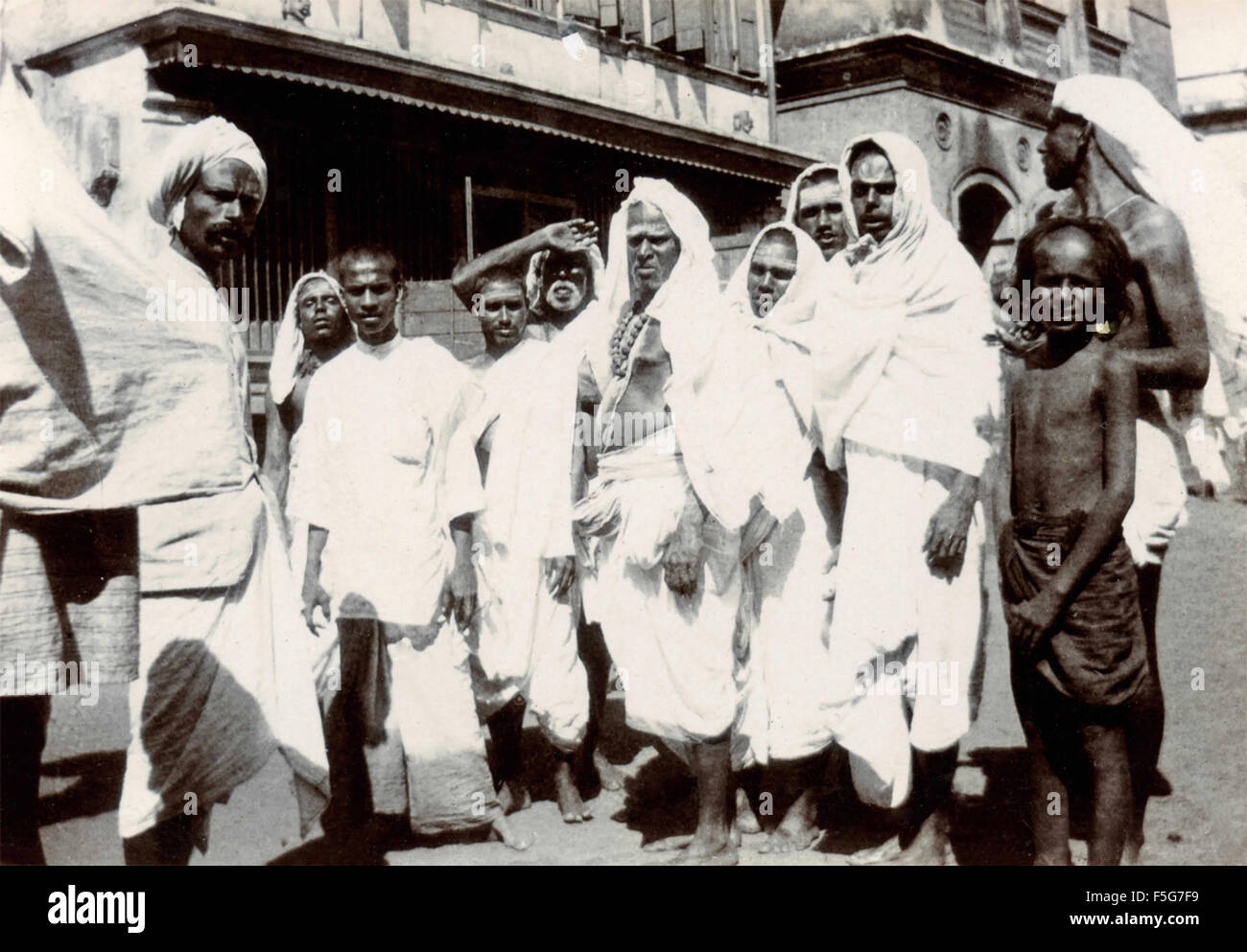 Group of Indians made ​​up and dressed in white, India - Stock Image