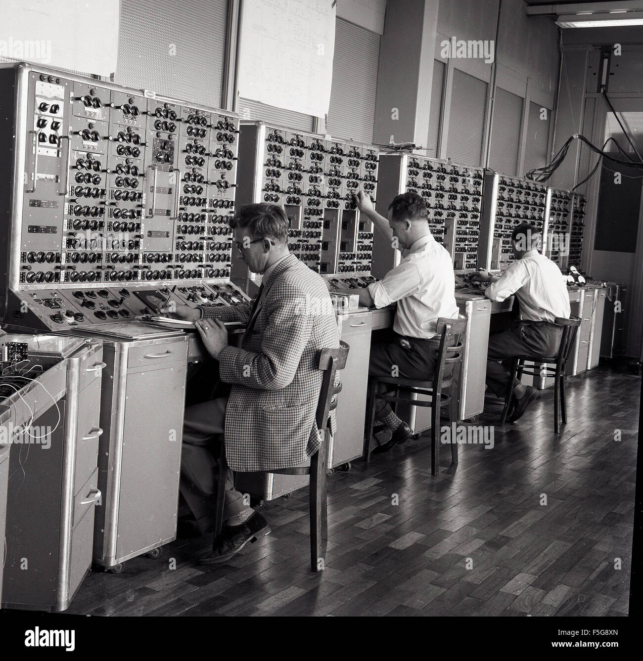 historical, 1950s, technical engineering students at work. - Stock Image