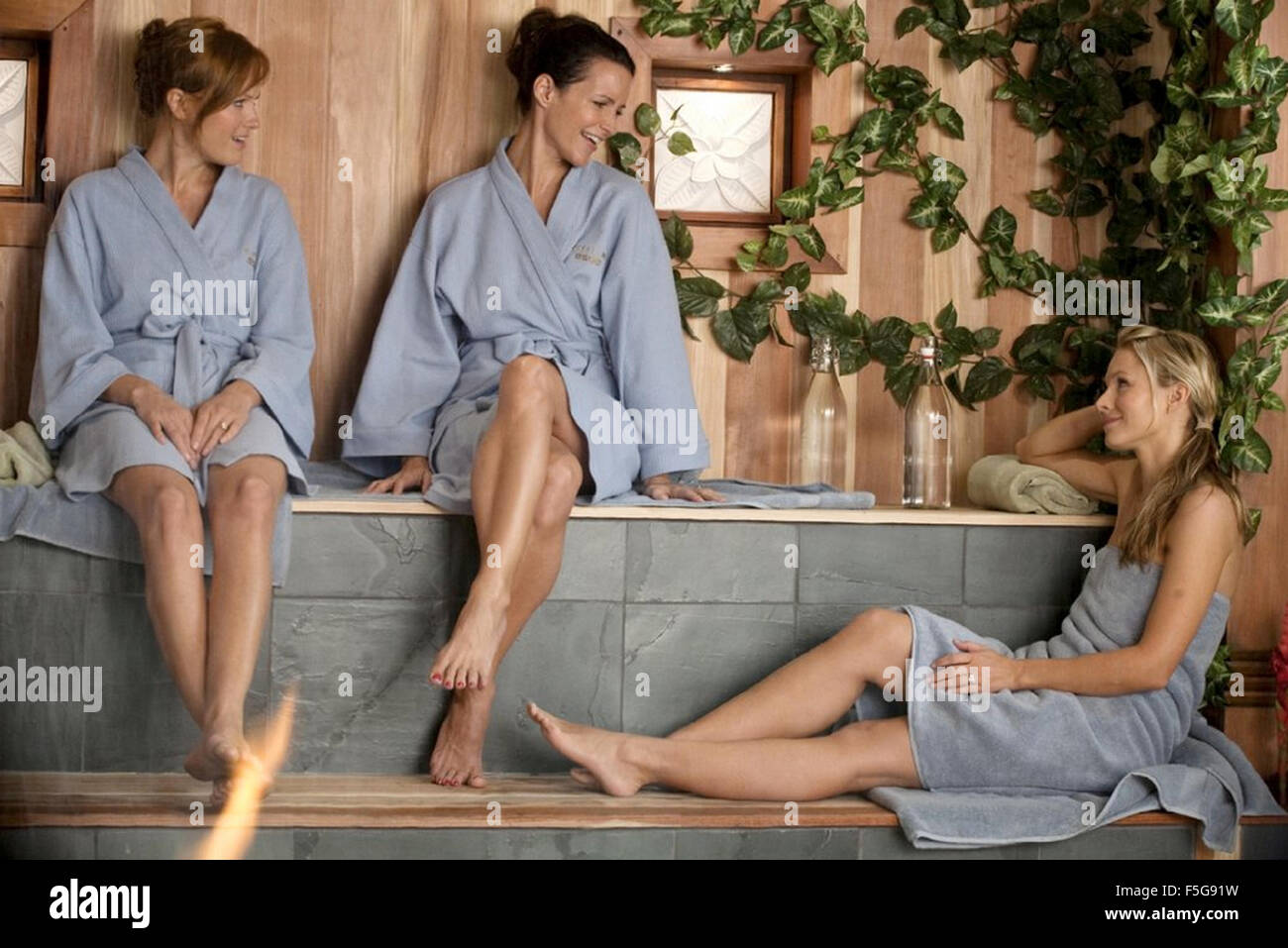 COUPLES RETREAT 2009 Universal Pictures film with from left Kristen Bell, Kristin Davis and Malin Akerman - Stock Image