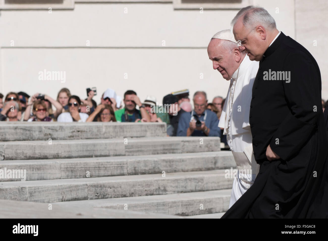 Vatican. 4th November, 2015. Pope Francis arrives for his weekly general audience in St. Peter's Square at the - Stock Image