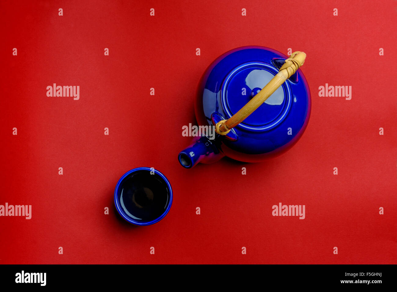 Japanese or Chinese tea pot and bowl. - Stock Image