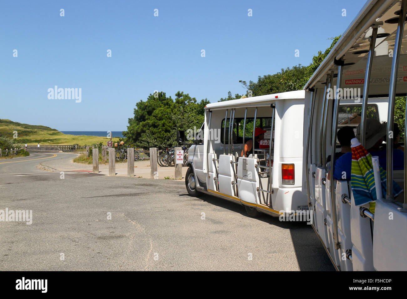 Tram for visitors at Coast Guard Beach, Cape Cod National Seashore, Eastham, Massachusetts - Stock Image