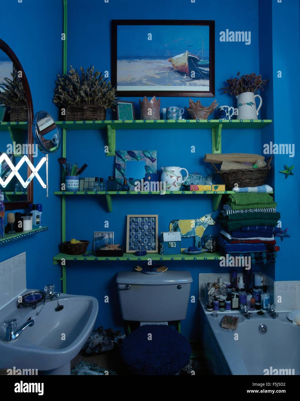 Interiors Retro Bathrooms Shelves Stock Photos & Interiors Retro ...
