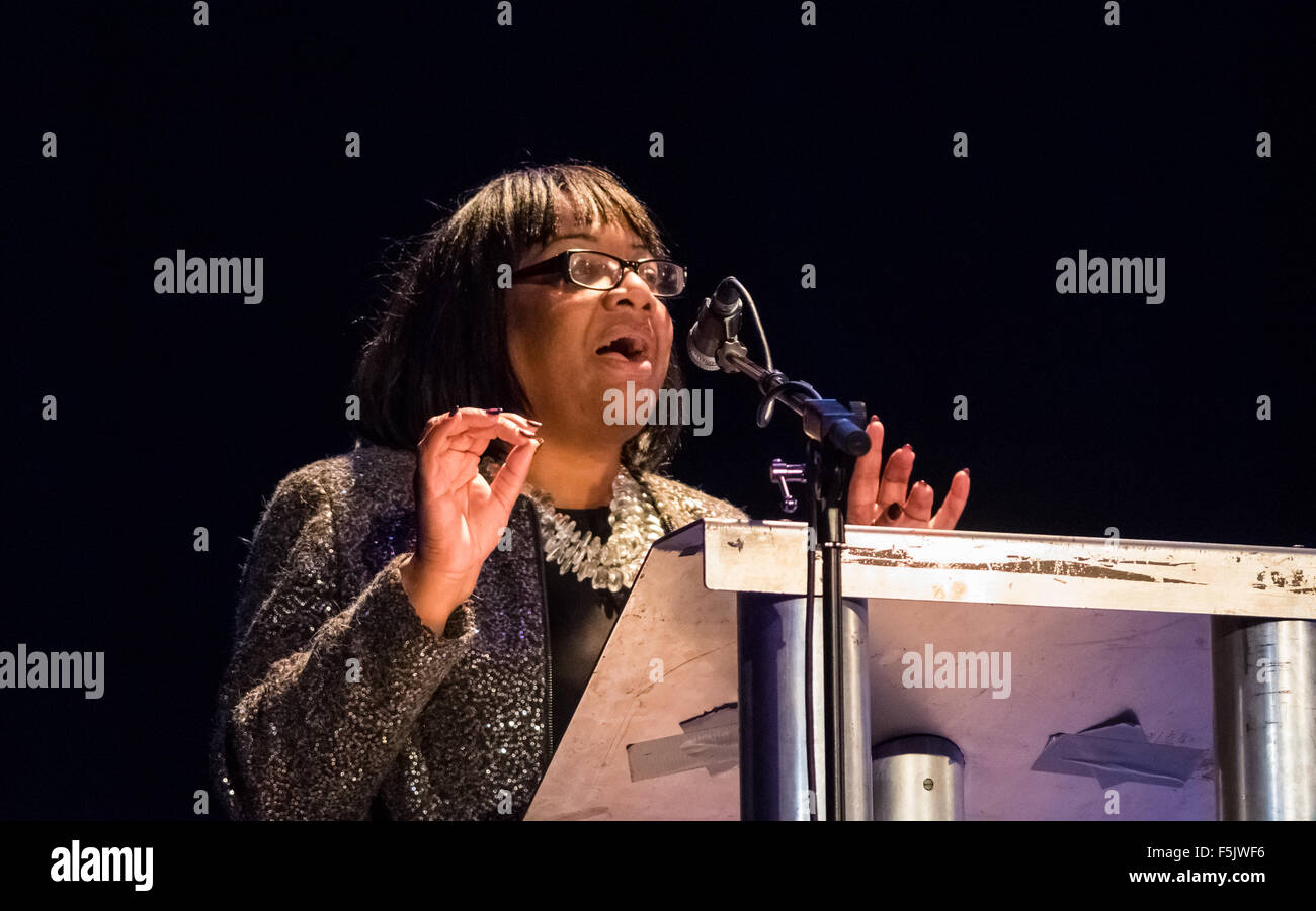 The Camden Centre, Kings Cross, London, November 4th 2015. Diane Abbott addresses a rally at the Camden Centre in - Stock Image