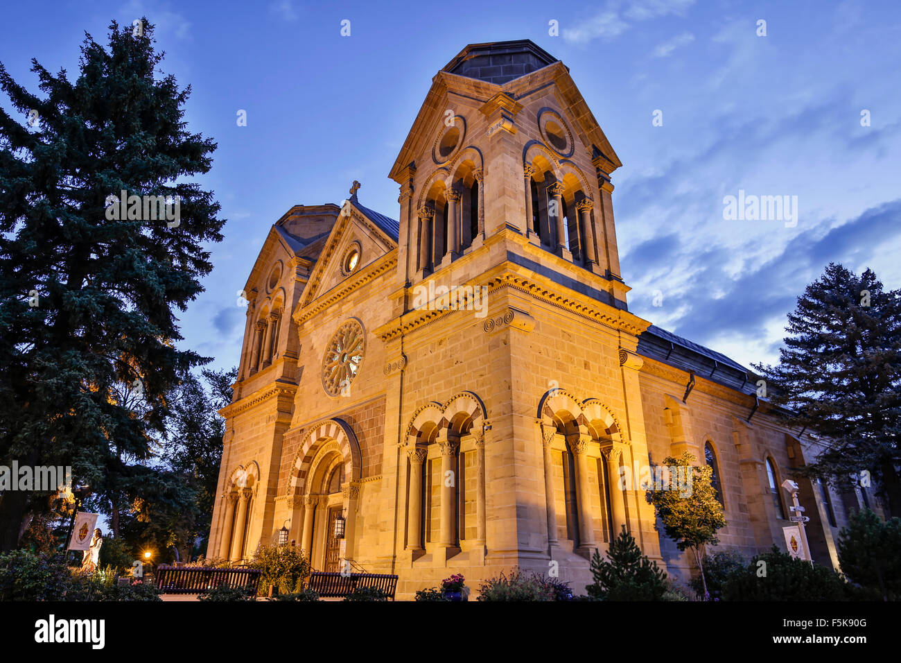 Cathedral Basilica of St. Francis of Assisi (Santa Fe Cathedral, 1884), Santa Fe, New Mexico USA - Stock Image