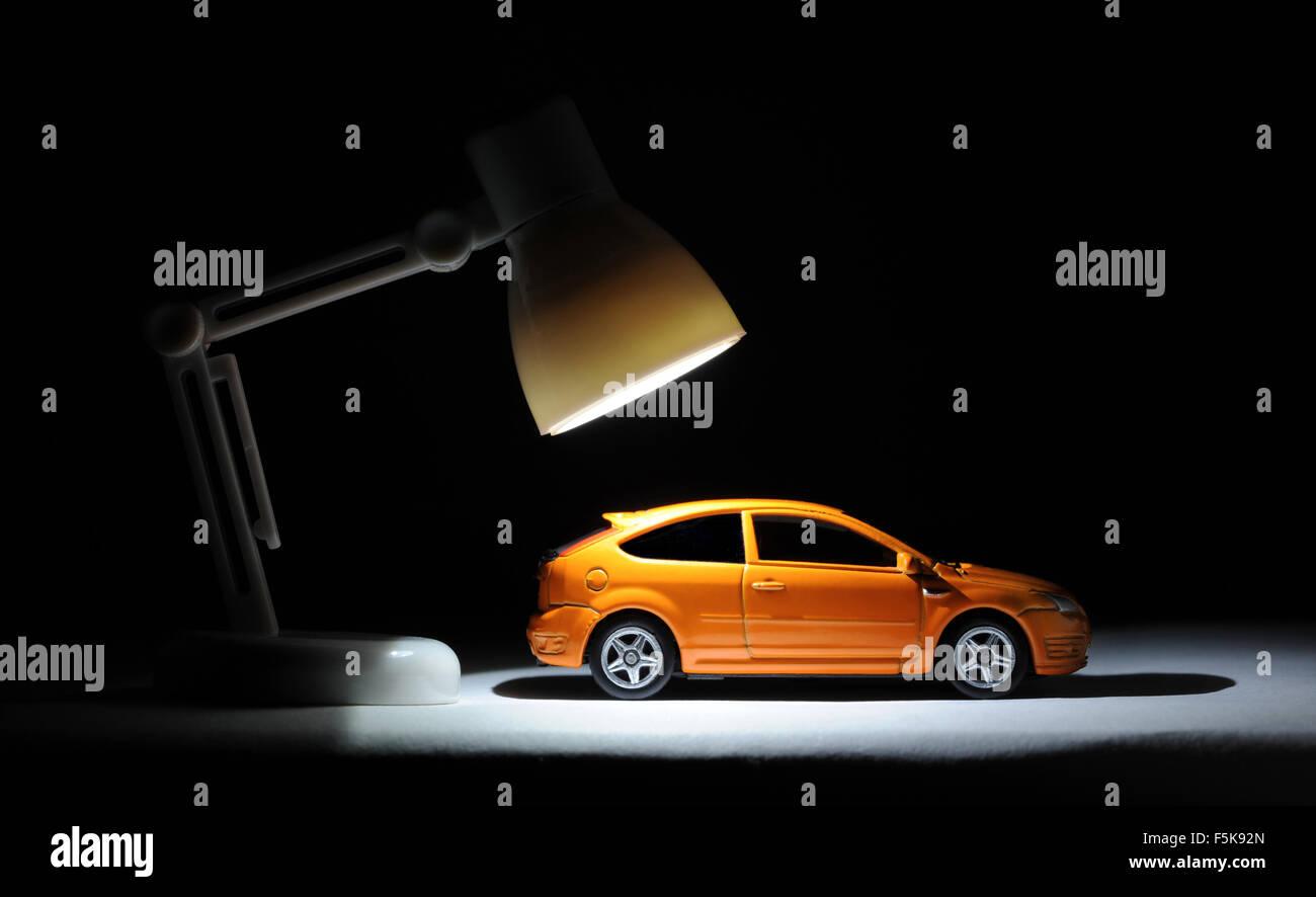 MODEL CAR UNDER SPOTLIGHT RE CAR INSURANCE ACCIDENT CLAIMS RISING ...