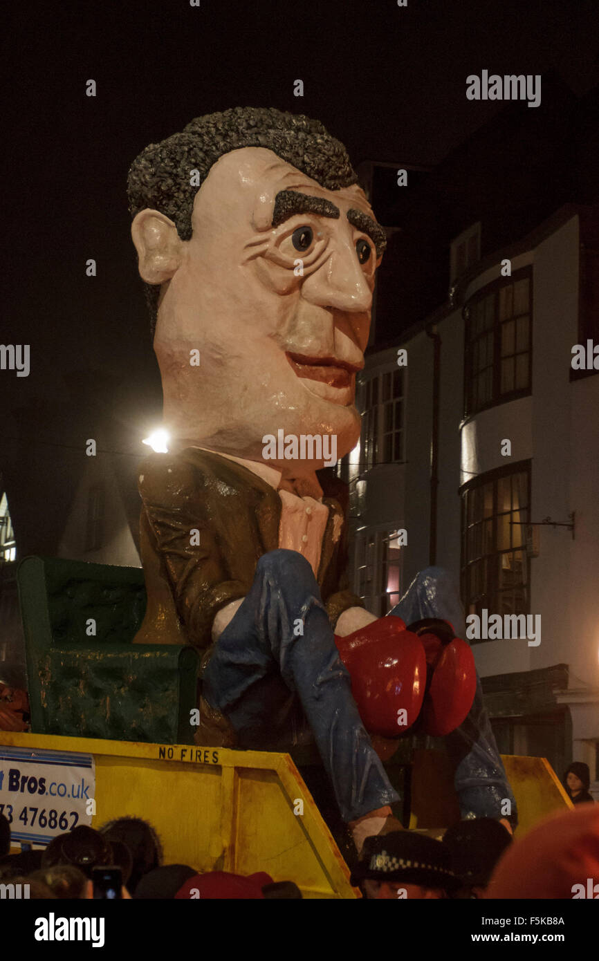 Lewes East Sussex. UK.  5th November, 2015. A tableau of Jeremy Clarkson is paraded through the streets of Lewes - Stock Image