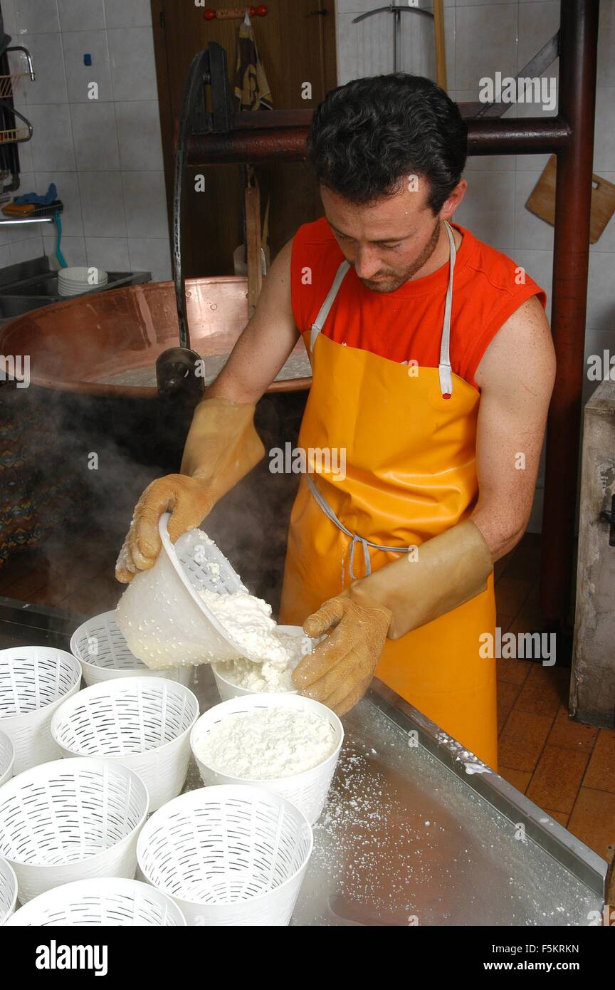 Agordino ricotta cream cheese  Credit © Marco Bruzzo/Sintesi/Alamy Stock Photo - Stock Image
