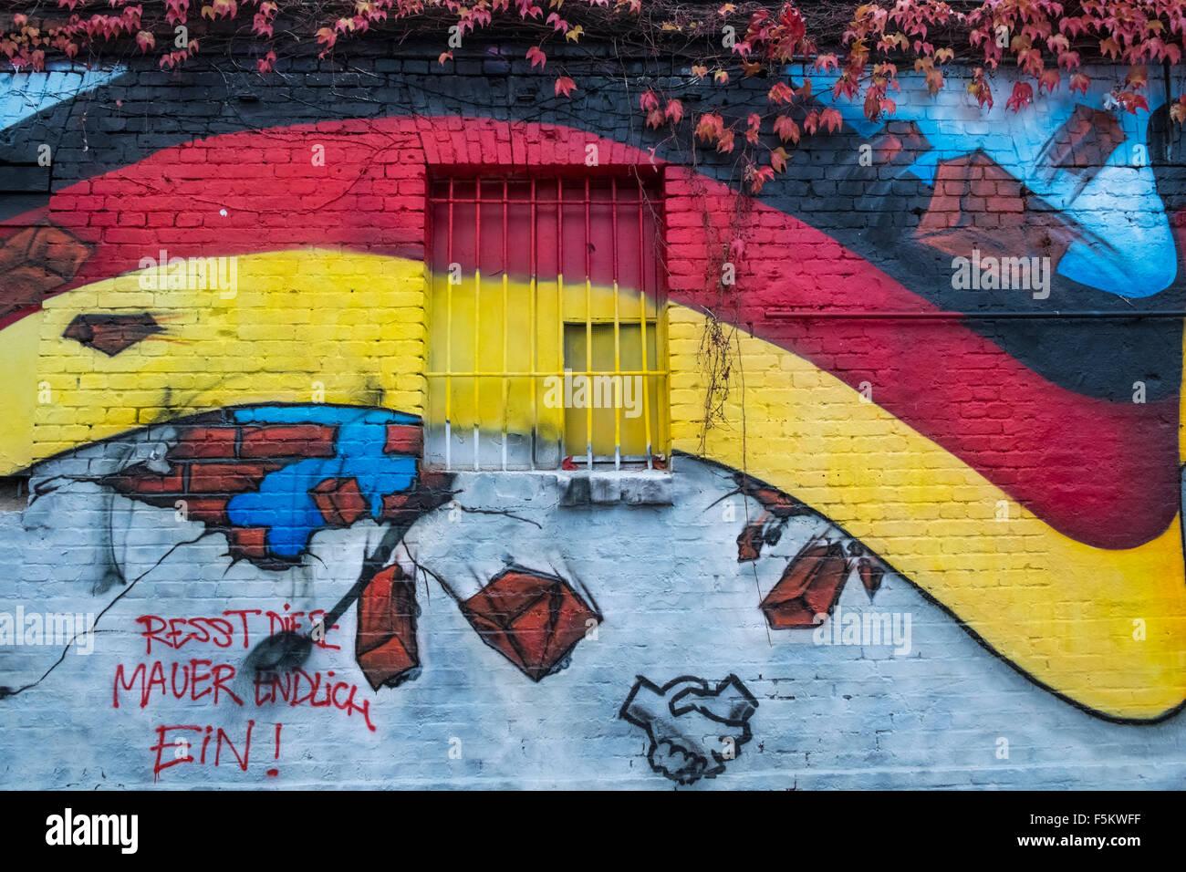 East Side Gallery artwork on the former Berlin Wall, Friedrichshain ...
