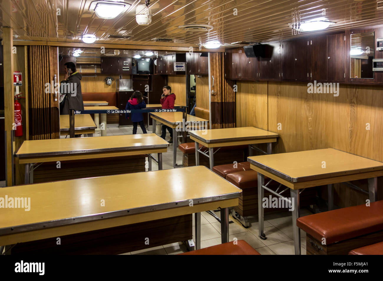 Refectory / mess aboard the Redoutable, first French Navy SSBN ballistic missile submarine, Cité de la Mer, - Stock Image