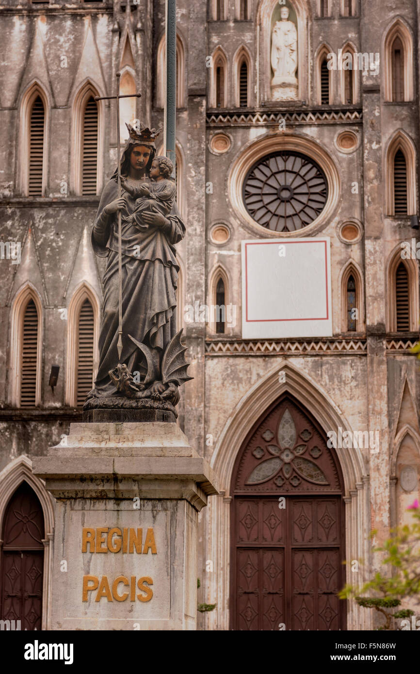 Statuary of church the St. Joseph's Cathedral in Hoan Kiem Hanoi, Vietnam. - Stock Image