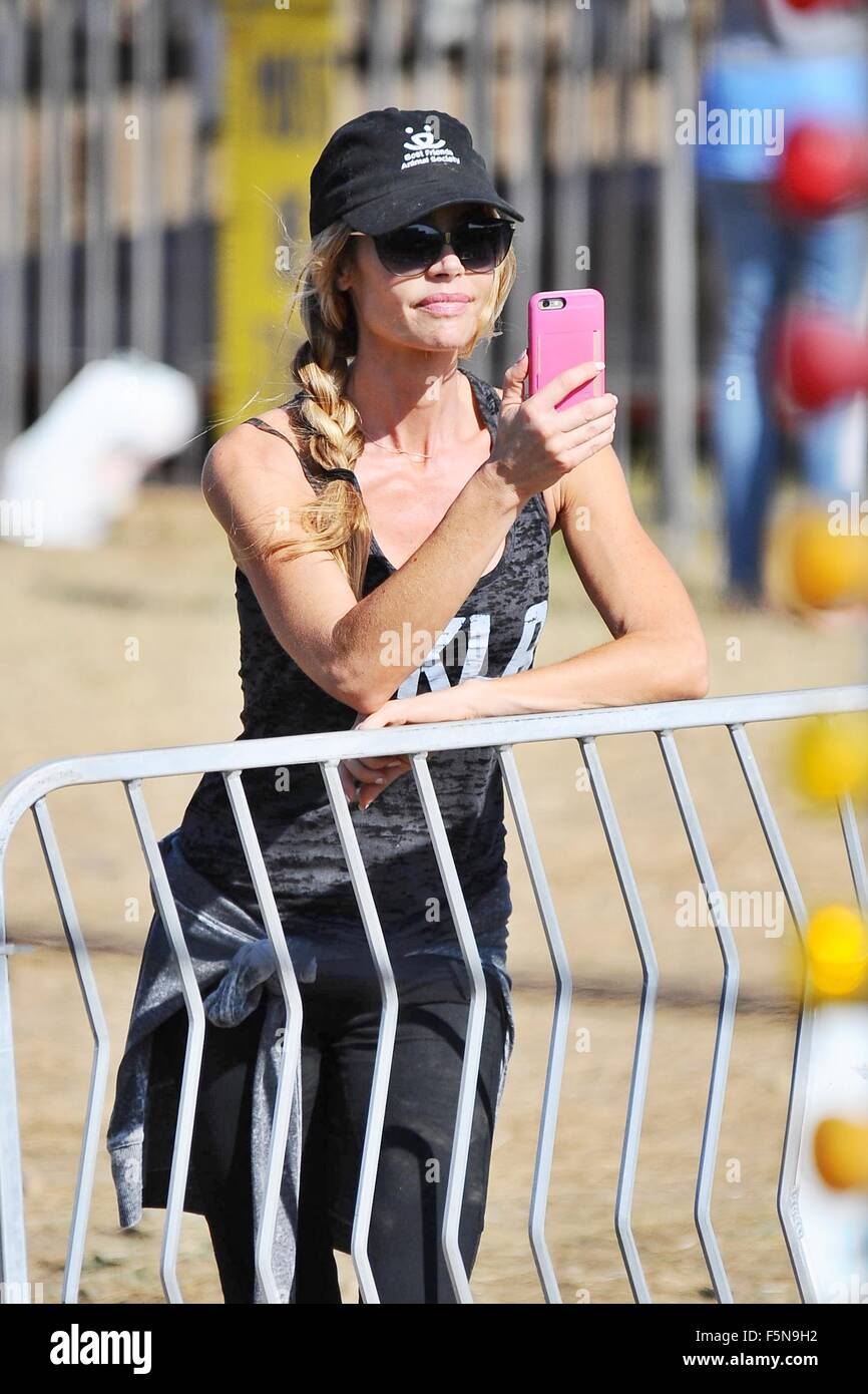 Celebrities at Malibu Kiwanis Chili Cook-off in Malibu  Featuring: Denise Richards Where: Brentwood, California, - Stock Image