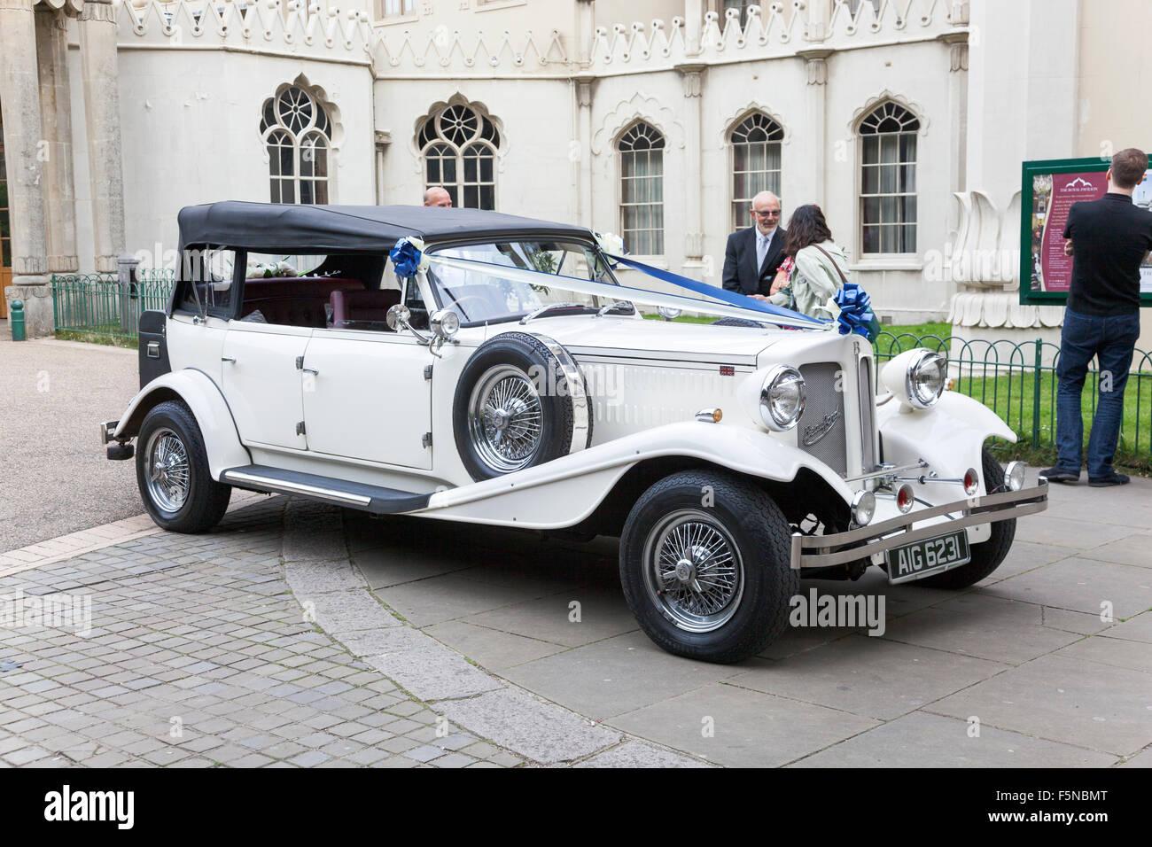 Wedding Car Rental Stock Photos & Wedding Car Rental Stock Images ...