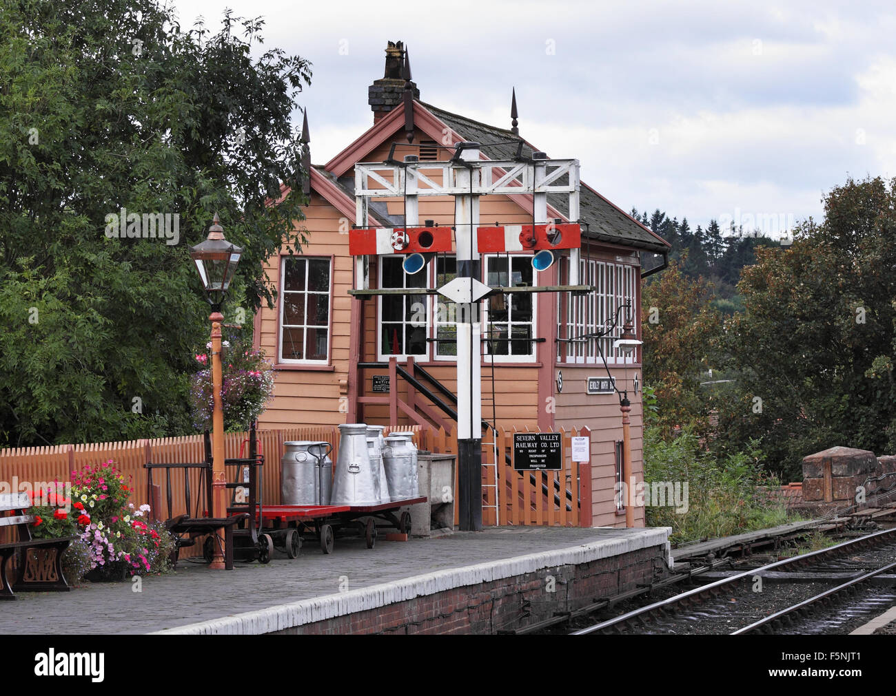 Vintage Signal Box at Bewdley Train Station on the Severn Valley Railway in England - Stock Image