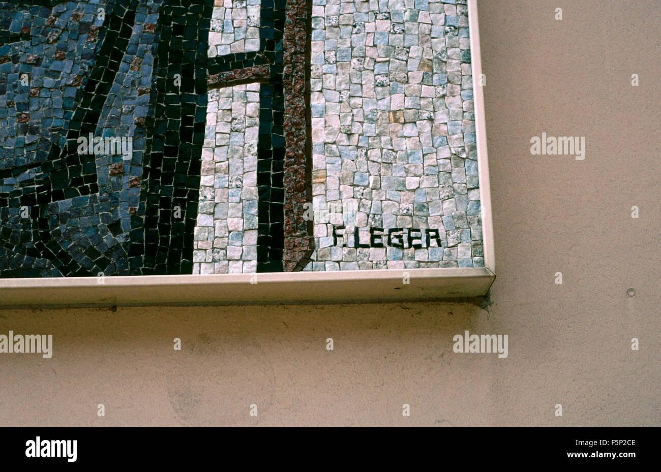 LEGER WALL ART - ARTISTu0027S SIGNATURE ON A MOSAIC PICTURE ENTITLED u0027LES TROIS MUSICIENSu0027 BY THE ARTIST FERNAND LEGER MOUNTED ON AN EXTERIOR WALL IN THE ... & AJAXNETPHOTO. 2002. MONTE CARLO MONACO. - LEGER WALL ART - ARTISTu0027S ...