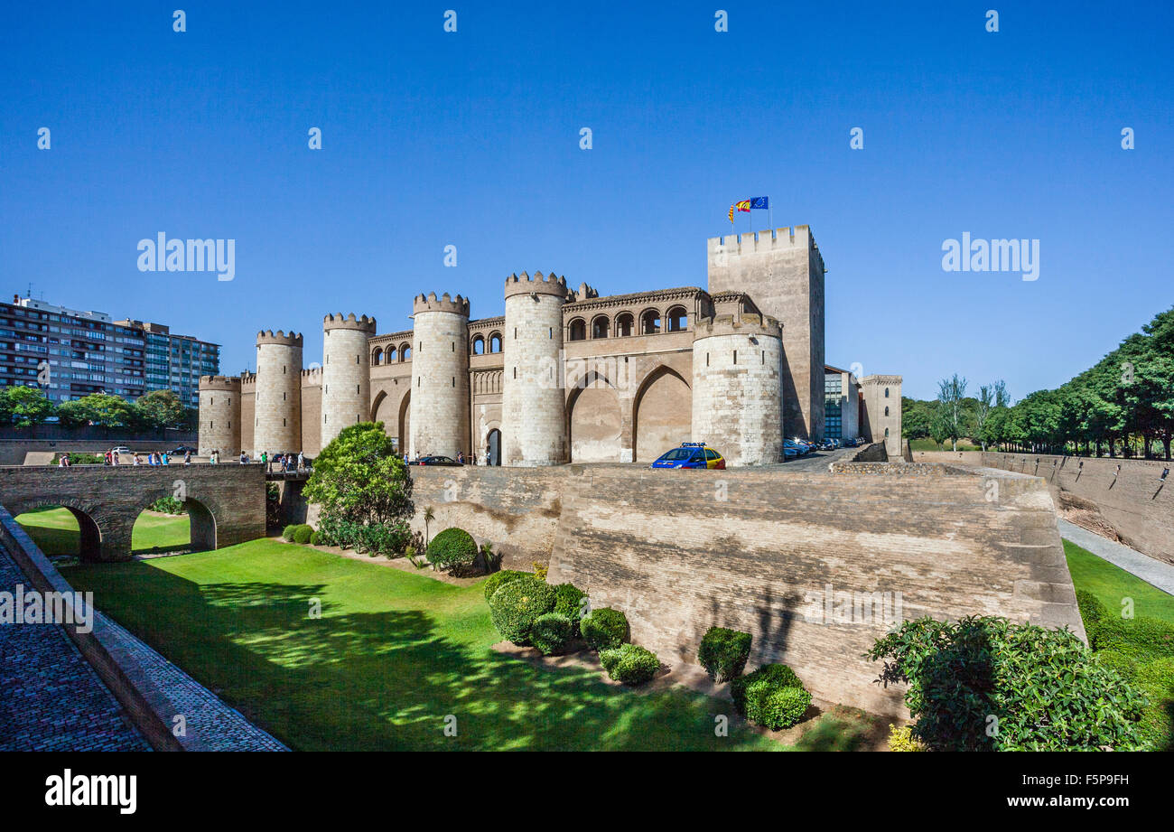 Spain, Aragon, Zaragoza, view of the Aljaferia Palace, fortified palace built in the eleventh century - Stock Image