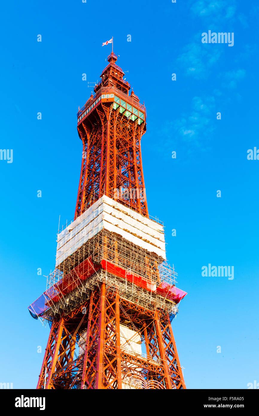 Blackpool tower against a blue sky, Blackpool, Lancashire, England, UK - Stock Image
