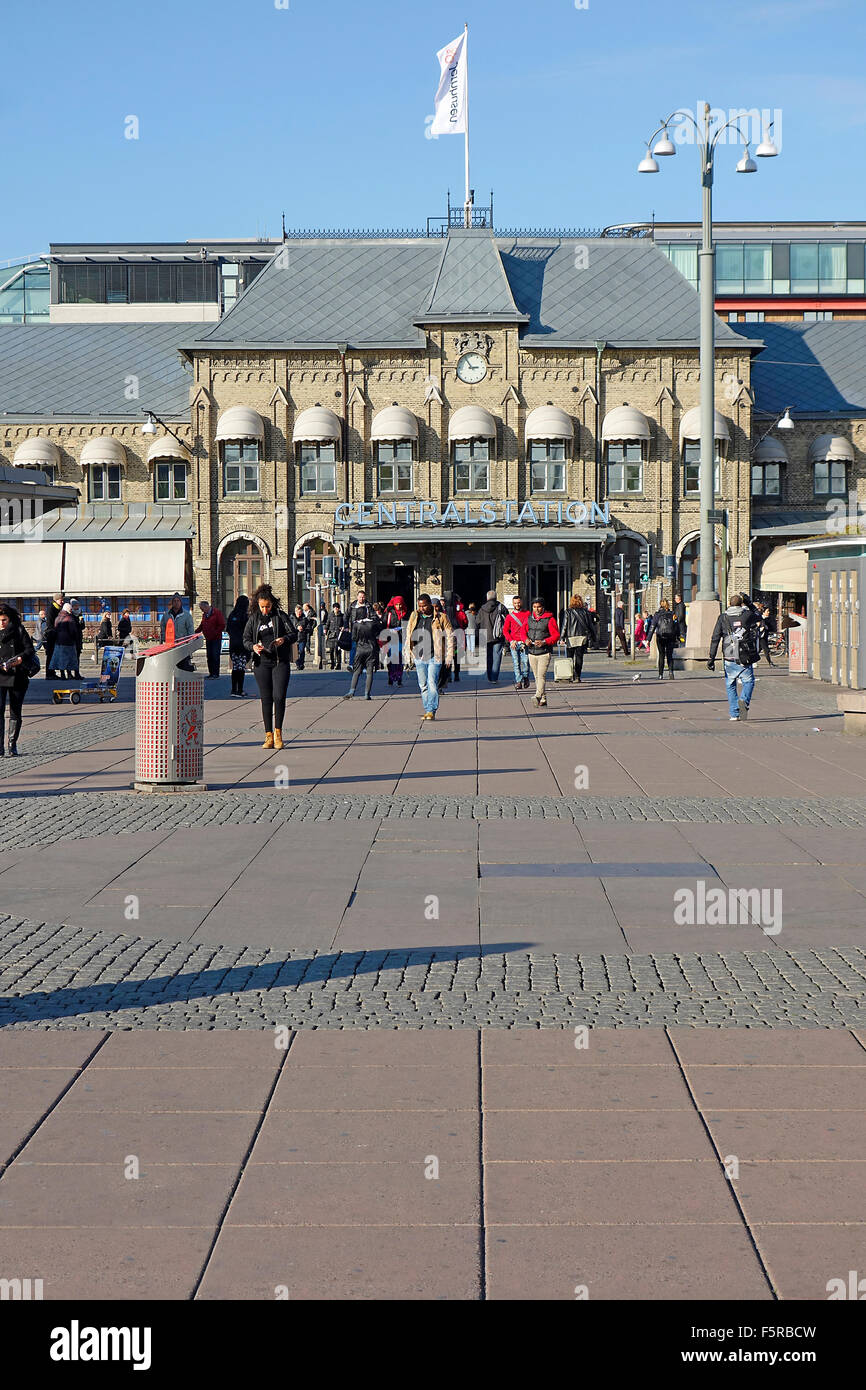 Perspective view of main entrance to  Central Railway Station and bus terminals in Göthenburg, Sweden - Stock Image