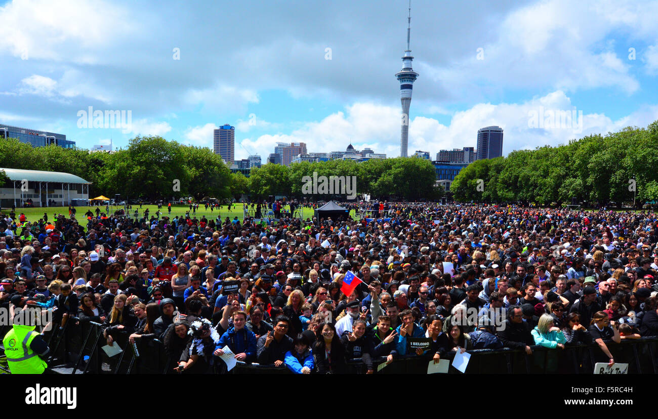 AUCKLAND - NOV 05 2015:Thousands of people in Victoria park, Auckland.According to Statistics New Zealand, New Zealands - Stock Image