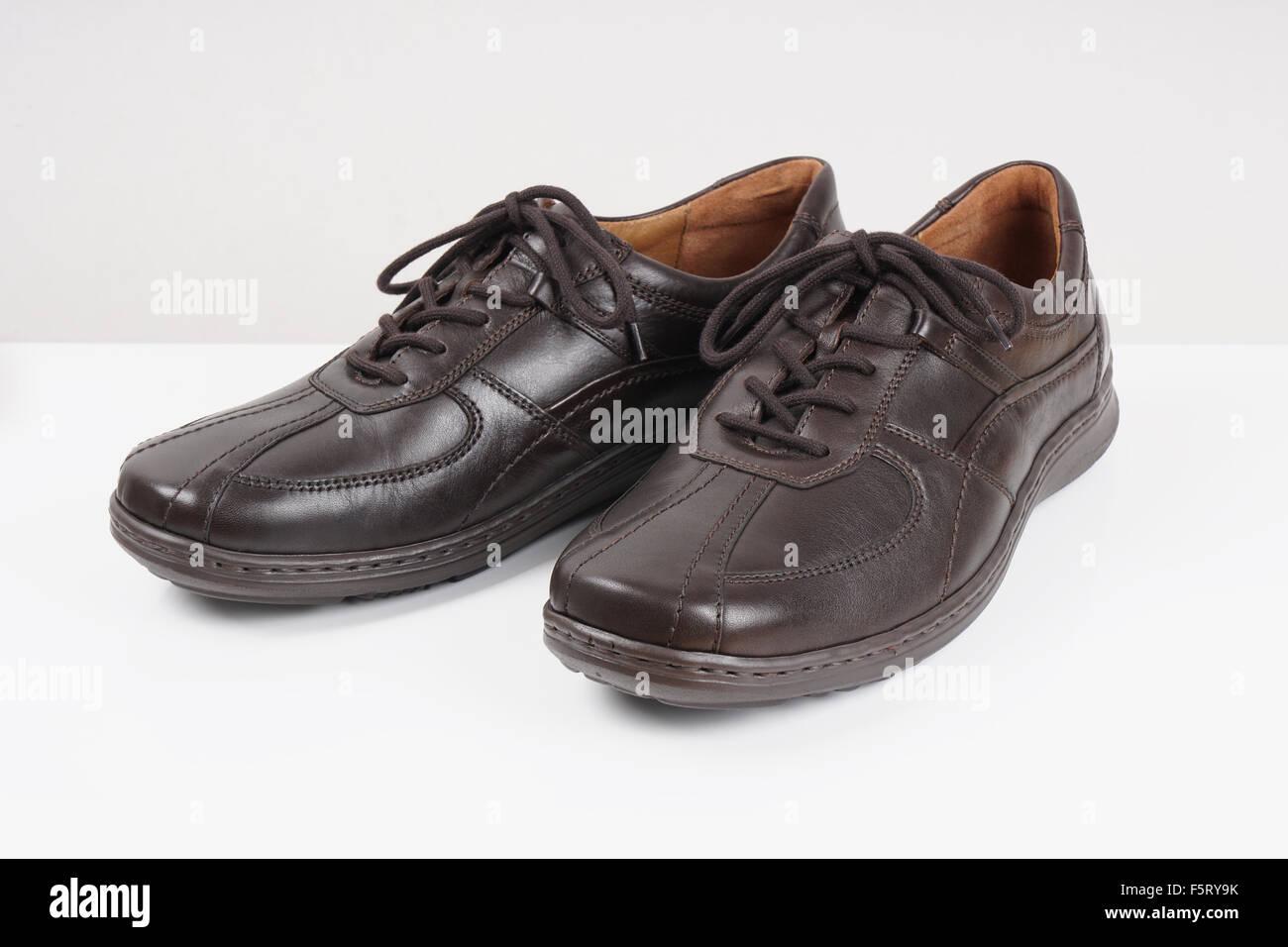 dark brown mens shoes Stock Photo: 89651455 Alamy