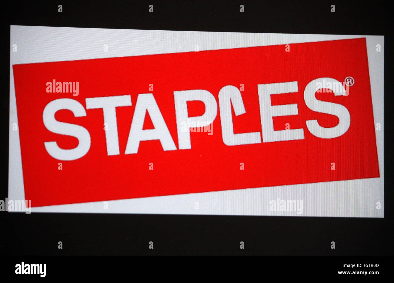 Markenname: 'Staples', Berlin. - Stock Image