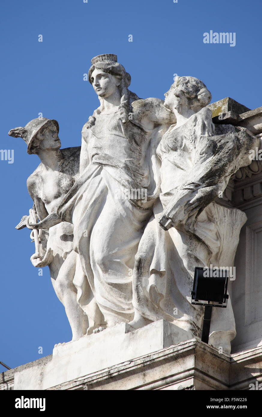38cdab0bcc42 ... winged sandals. B8ENAR (RM). Statue of Hermes and the Goddess Roma in  Colonna Square of Rome