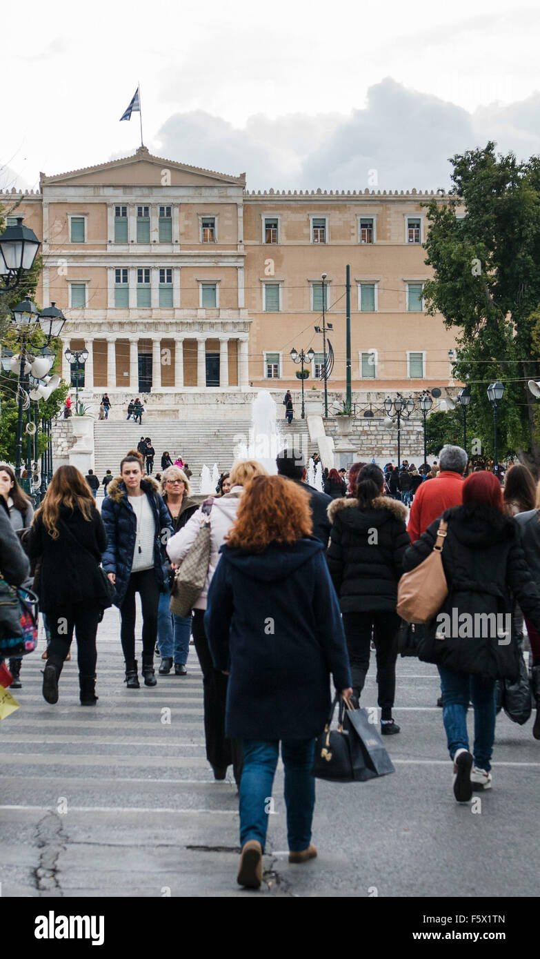 Morning rush towards the Greek Parliament and Syntagma square. - Stock Image