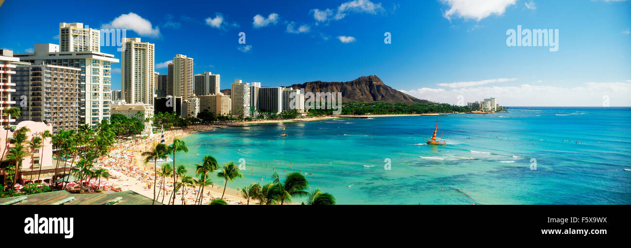 Panoramic scenic of Waikiki Beach and Diamond Head with beach front hotels and palm trees on Oahu Island in Hawaii - Stock Image