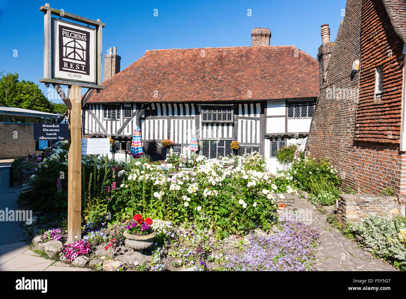 England, Hastings, Battle. Pilgrims rest, original 1420 pilgrims rest house building now converted to a home and Stock Photo