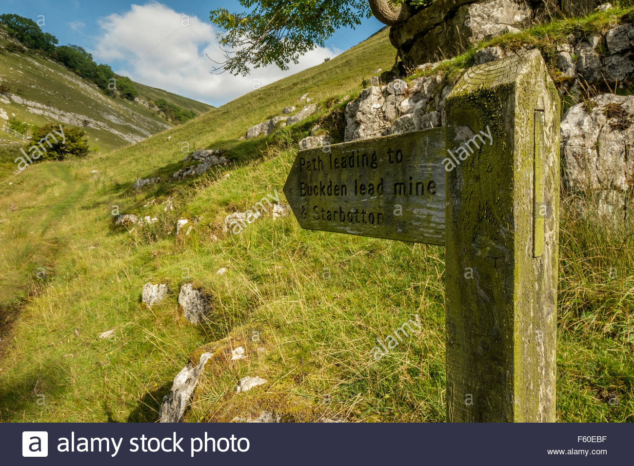 Wood signpost near Buckden, Wharfdale in the Yorkshire Dales, England indicating path to Buckden Lead Mine and Starbotton. - Stock Image