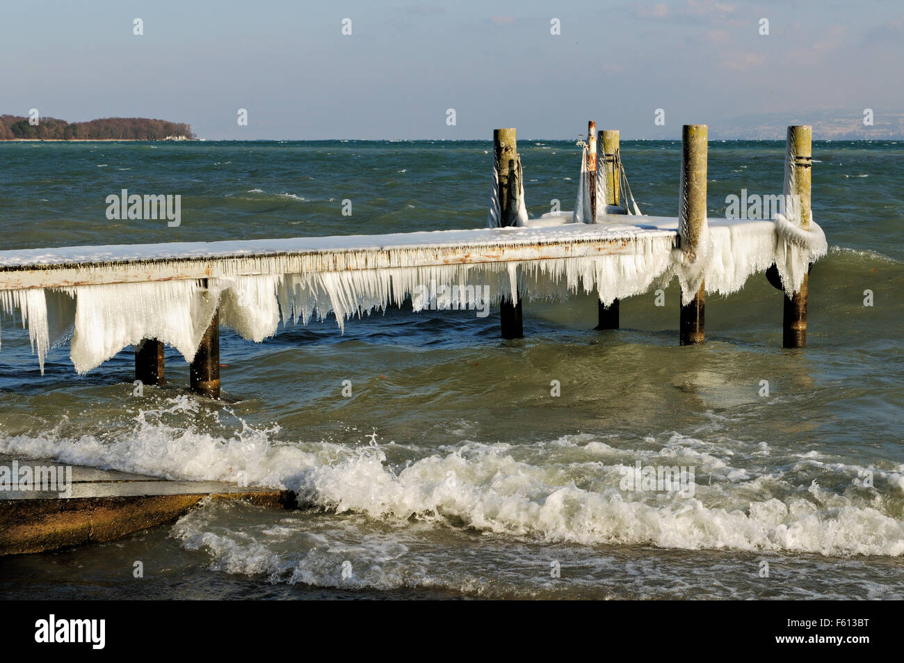 Icy pier during the February 2012 European cold wave in Nyon, Lake Geneva, Canton of Vaud, Switzerland - Stock Image
