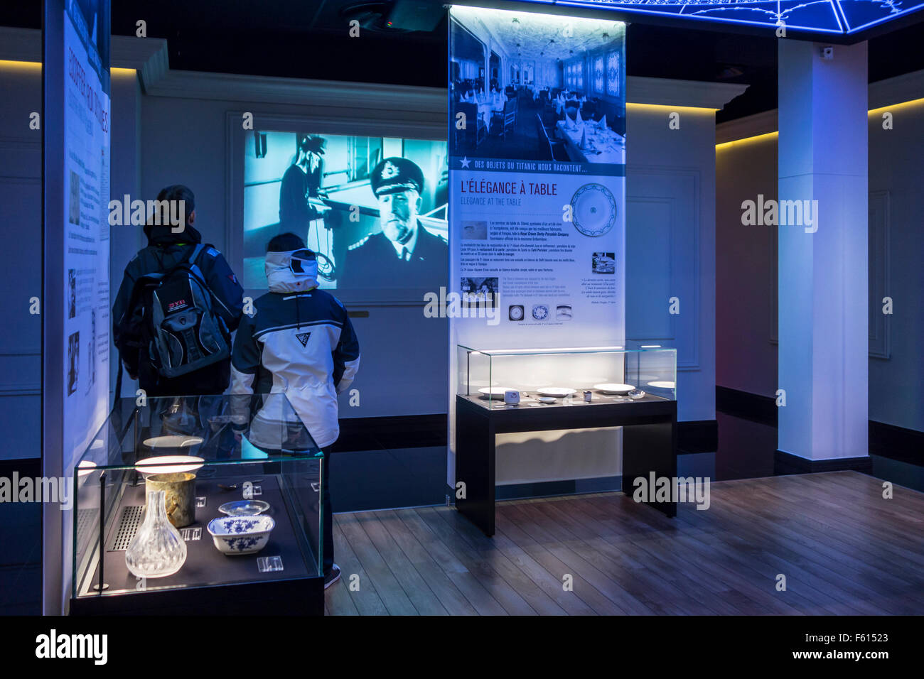 Visitors looking at findings brought back up from Titanic wreck, Cité de la Mer, maritime museum in Cherbourg, - Stock Image
