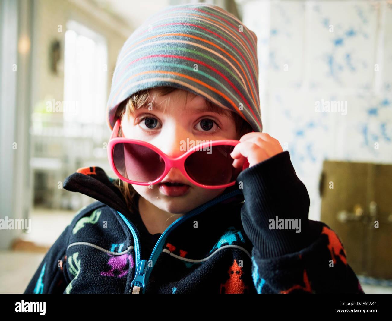 b3303dda460 Little Girl Wearing Sunglasses Stock Photos   Little Girl Wearing ...