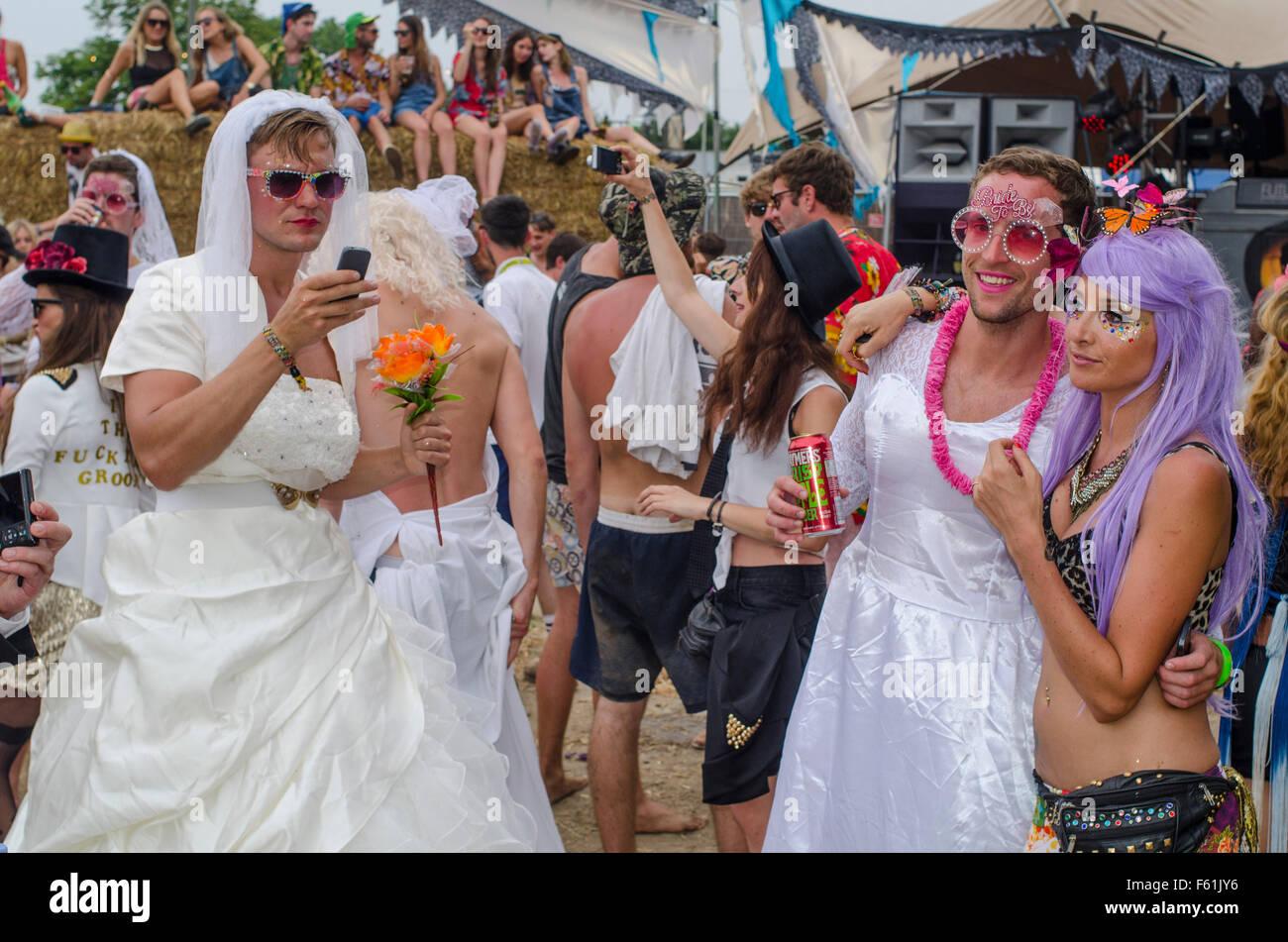 Gemütlich Bachelor Party Kleid Fotos - Brautkleider Ideen ...