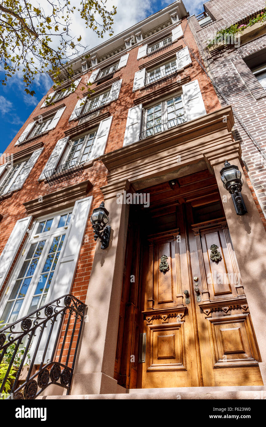 luxury apartments exterior. Four Storey Townhouse In Chelsea  Manhattan Typical New York City Architecture With Luxury Apartments Exterior Stock Photos