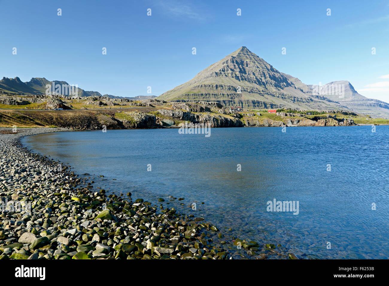 Bulandstindur Peak on Berufjordur Fjord, Route 1 (Ring Road), Iceland - Stock Image