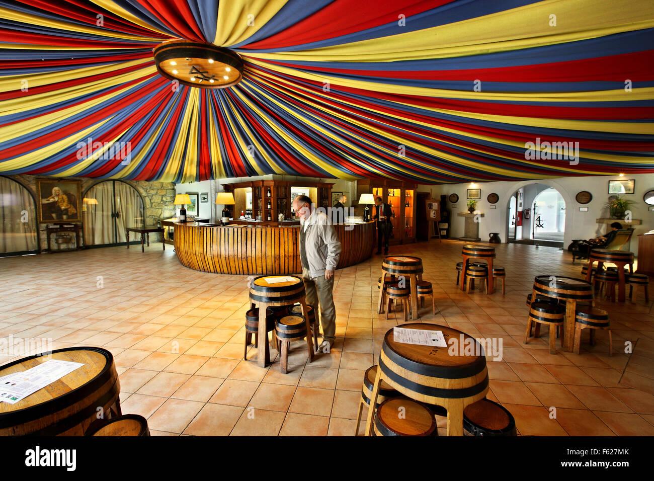 The wine tasting halls of 'Taylor's' in Villa Nova de Gaia, Porto, Porte e Norte, Portugal. - Stock Image