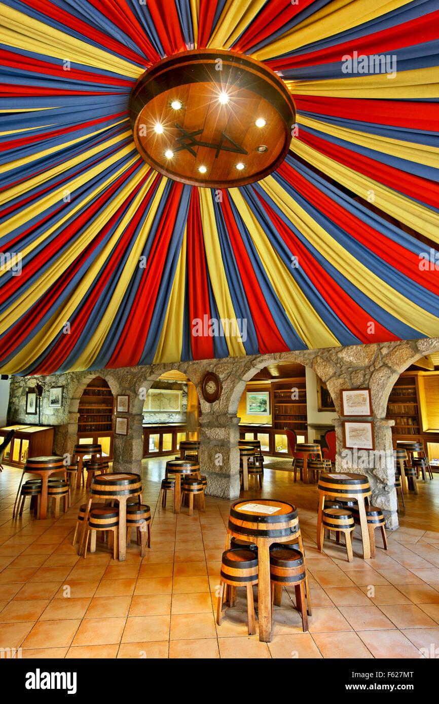 The wine tasting halls of 'Taylor's' in Vila Nova de Gaia, Porto, Porte e Norte, Portugal. - Stock Image