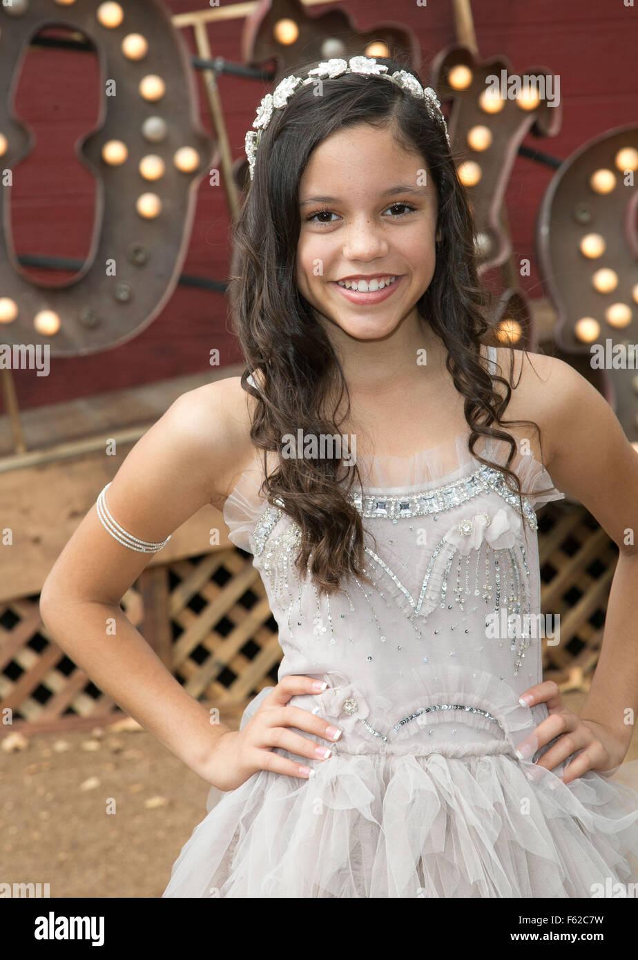 Jenna Ortega Stock Photos Amp Jenna Ortega Stock Images Alamy