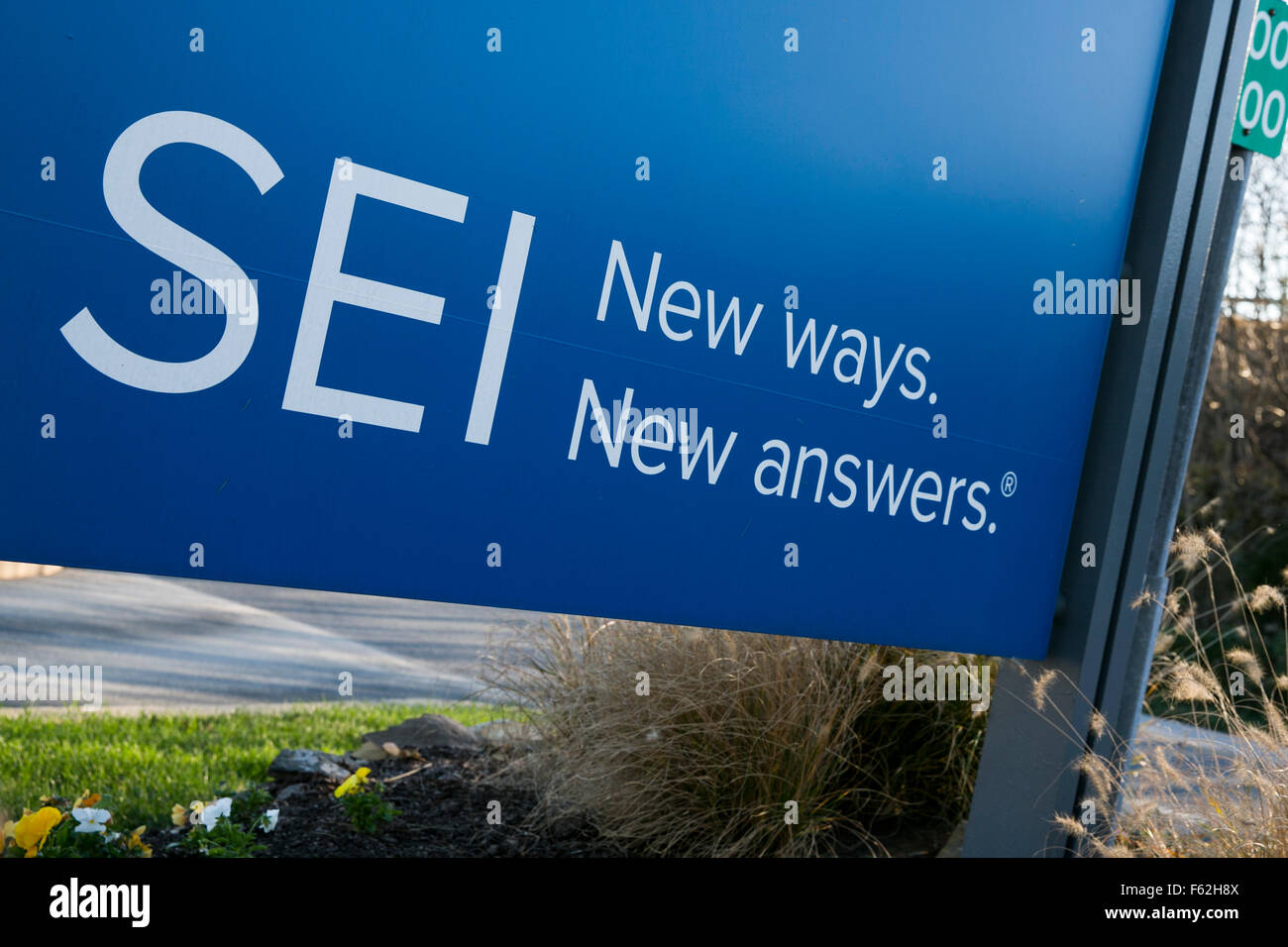 A logo sign outside of the headquarters of the SEI Investments Company in Oaks, Pennsylvania on November 8, 2015. - Stock Image