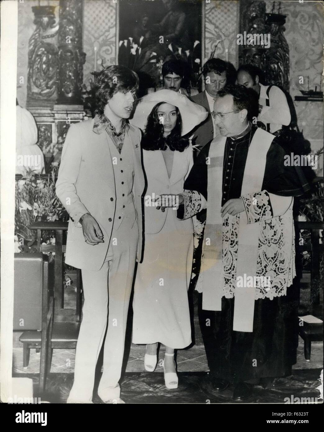 1972 - A complete uproar at Jagger wedding in St. Tropez Mick Jagger of the Rolling Stones was married earlier this - Stock Image