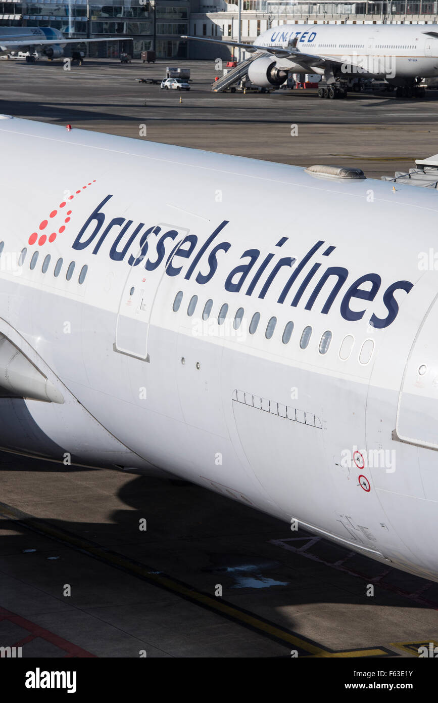 logo of brussels airlines on Airbus A330-223 with registration OO-SFY at Brussels airport - Stock Image