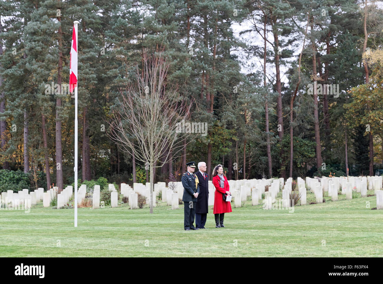 Canadian Section Brookwood Military Cemetery Armistice Day Ceremony: Canadian High Commissioner at center. - Stock Image