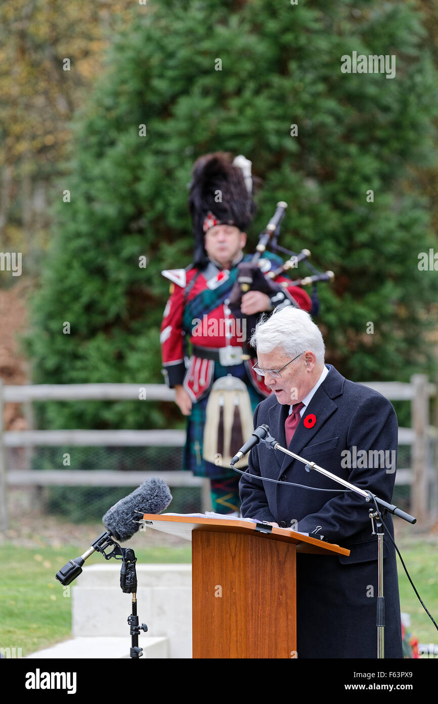 Canadian Section Brookwood Military Cemetery Armistice Day Ceremony: Address by Gordon Campbell Canadian High Commissioner - Stock Image