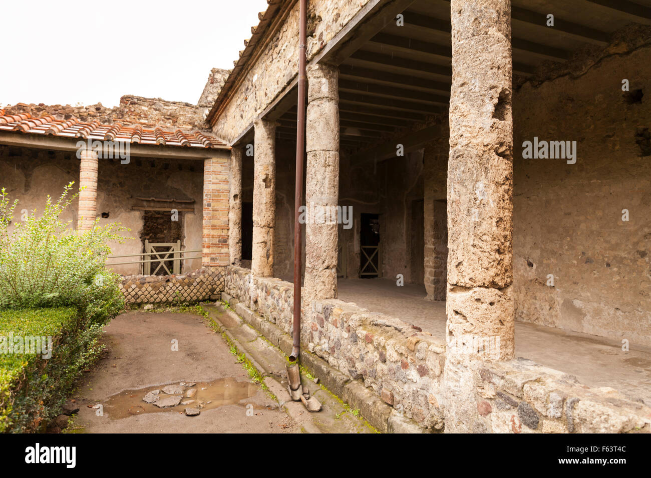 Courtyard and garden of Villa dei Misteri, Villa of the Mysteries, Pompeii, Italy - Stock Image