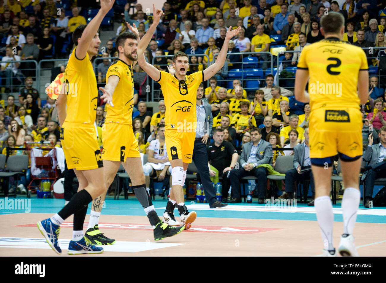 Belchatow, Poland. 11th November 2015. Team PGE Skra Belchatow pictured during the game with Asseco Resovia Rzeszow - Stock Image