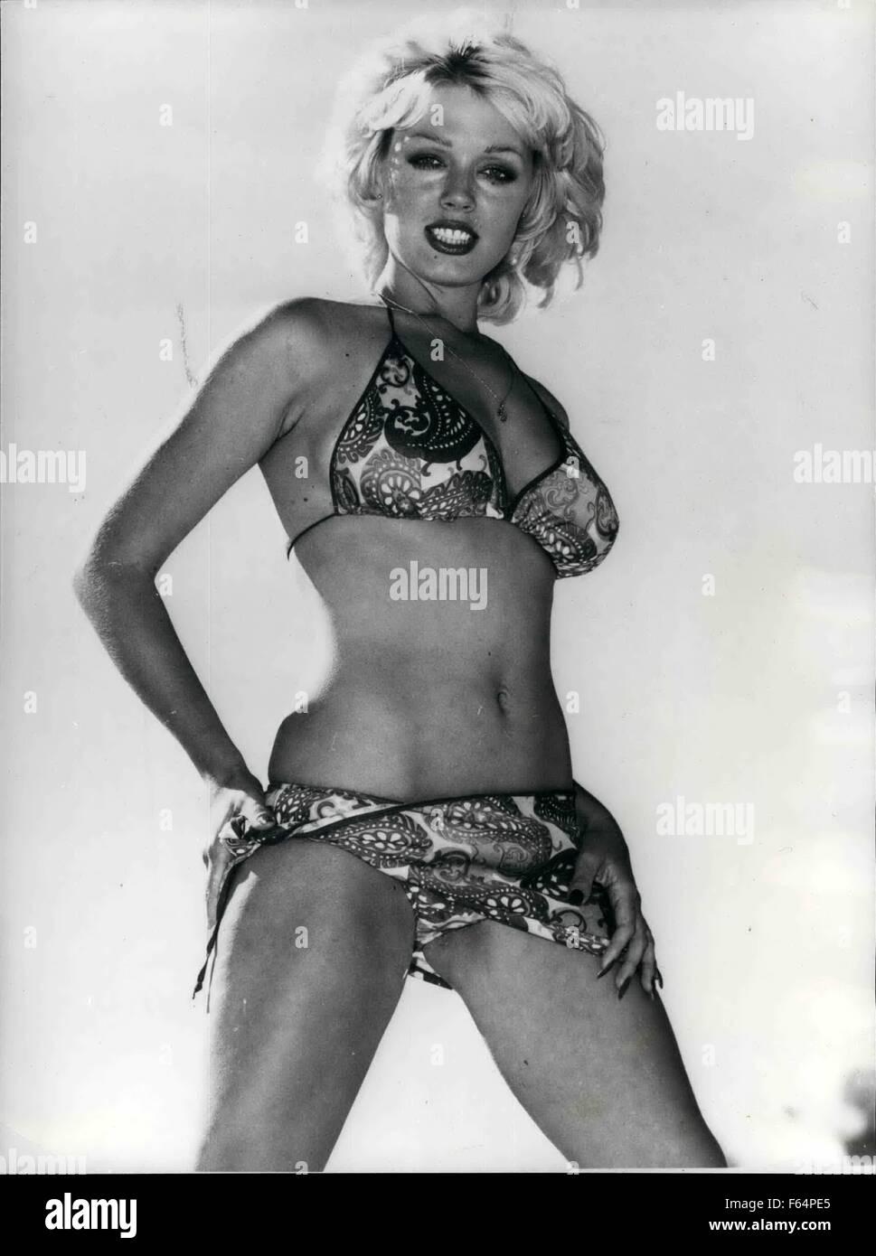 Lynda Stoner Nude Photos 11